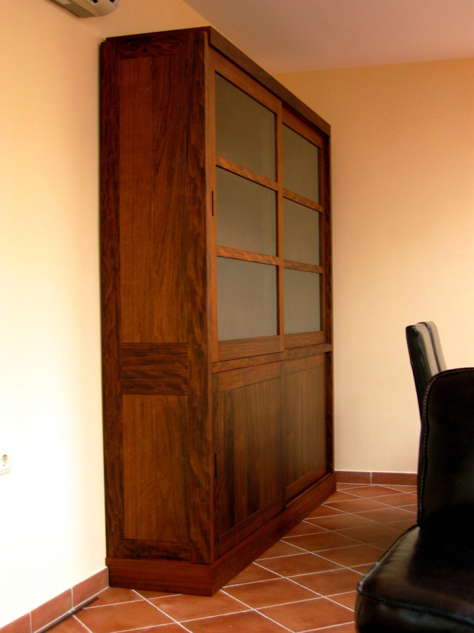 Portes i mobiliari per una casa