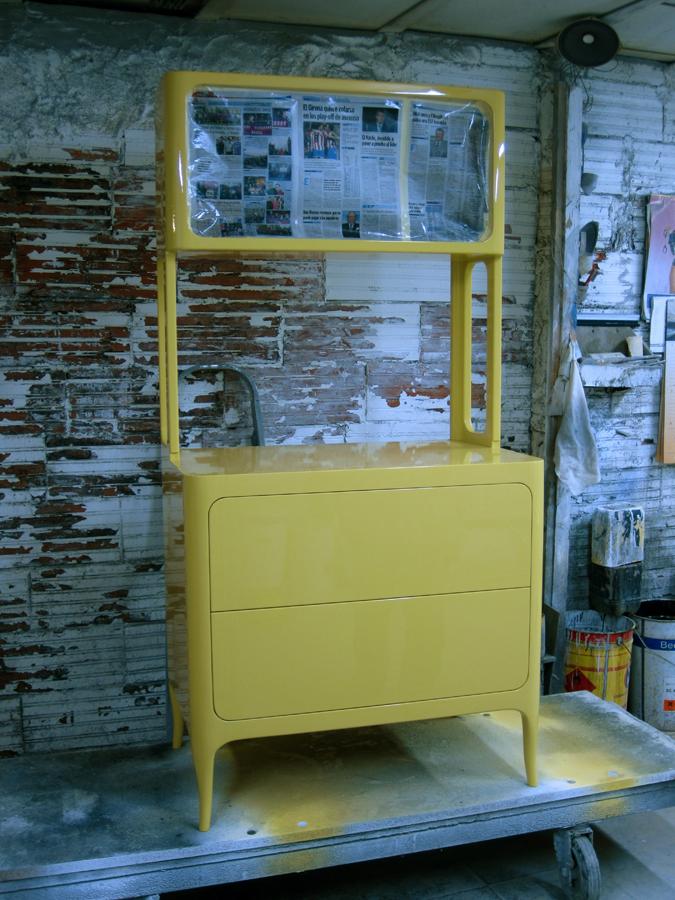 El moble al taller de laca.