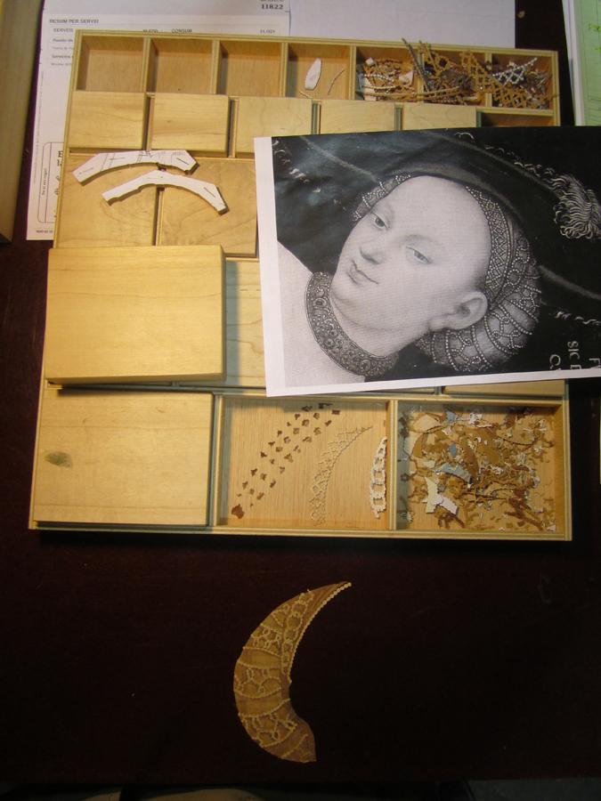 Detall de les peces per muntar el pentinat de Venus.