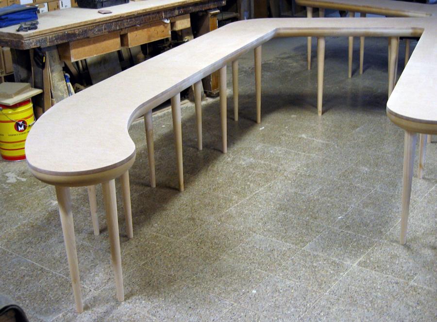 Diferents vistes de la taula montada.